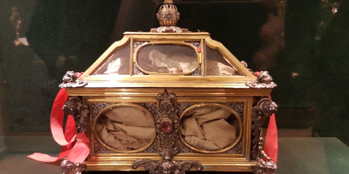 Becket Holy Relic Display