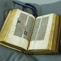 Between Paris and Canterbury: the Lyghfield Bible