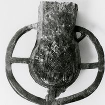 A Flask for the Journey: a Becket Ampulla (picture-this)