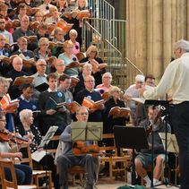 Hundreds enjoy a big friendly sing in the Nave